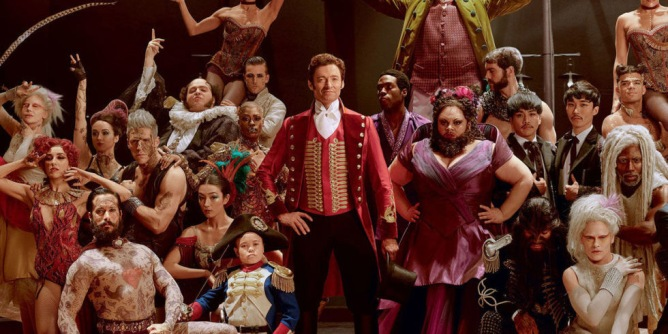 galleryx-1513337323-the-greatest-showman-cast-hugh-jackman